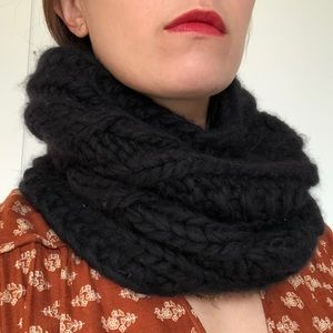 Wool and cashmere black infinity scarf